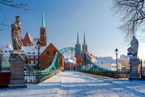 Ostrów Tumski we Wrocławiu zimą