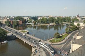 Widok na Most Uniwersytecki we Wrocławiu