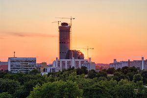 Budowa Sky Towera we Wrocławiu
